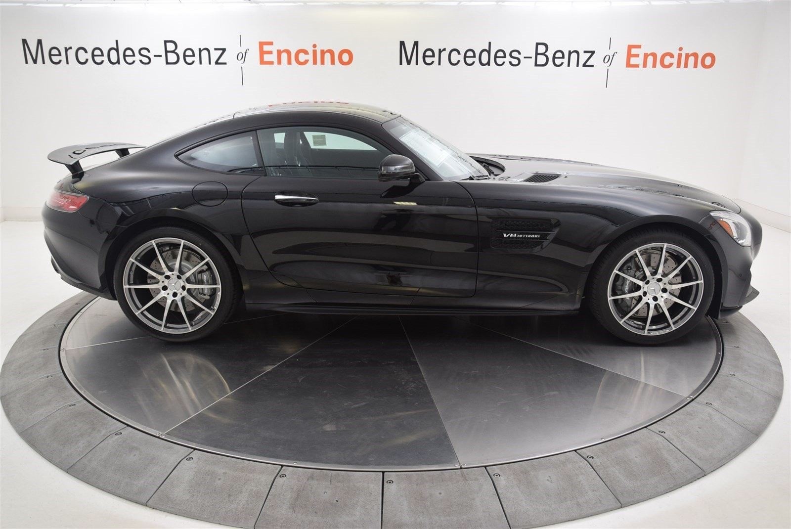New 2017 mercedes benz amg gt amg gt coupe coupe in for 2017 mercedes benz amg gt msrp